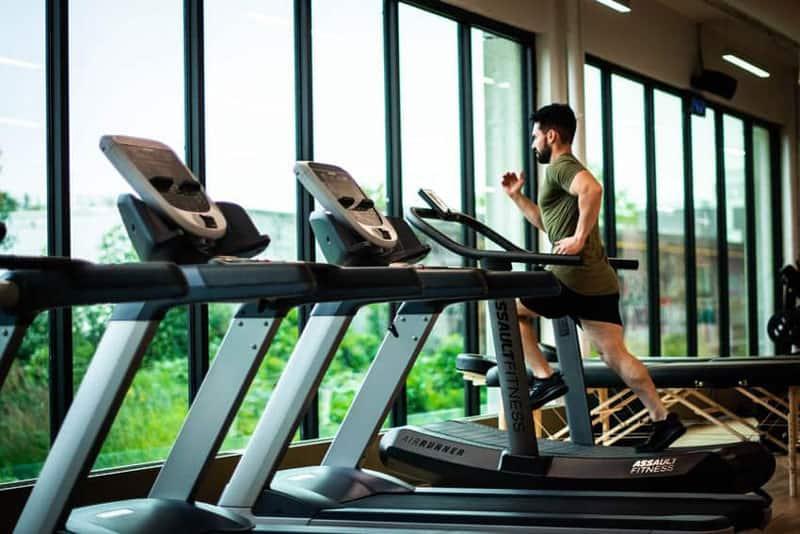 Qué hacer en el gimnasio para adelgazar